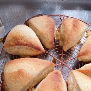 低GIキャロブシロップを使ってパンを焼いてみた