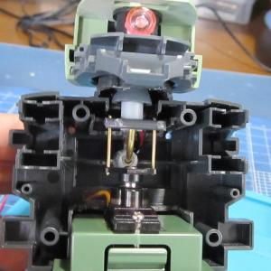 メガサイズ 量産型ザク サーボで頭とモノアイ連動