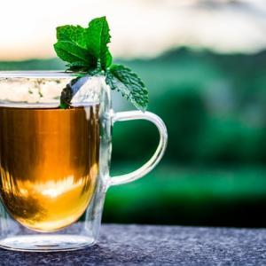 【時短】冷たい麦茶の作り方。忙しい朝でも、10分で冷たい麦茶を作ることができます。