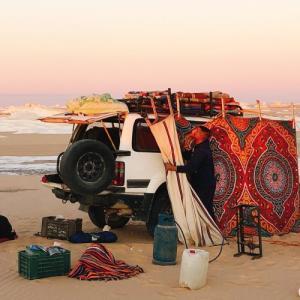 2020   2.4〜5     エジプト③      白砂漠・黒砂漠ツアーへ!