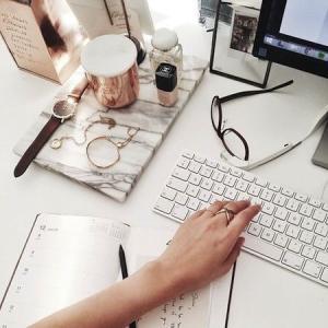 【ブログの豆知識】ブログをPCとスマホのどちらで書いていますか?
