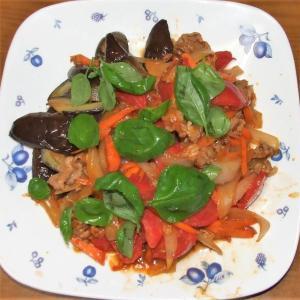 茄子の豚肉トマト炒め&小タマネギのとろとろ煮とろけるチーズ乗せ