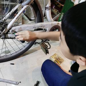 自転車修理と結婚パーティ