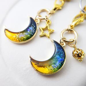 夜空の月チャーム