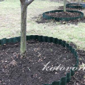 木の下に丸い花壇を作る「ウェーブエッジ」タカショー