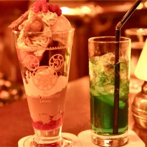 【絶品パフェ】マロンとストロベリーのパフェと季節のカクテルで優雅なひとときを。
