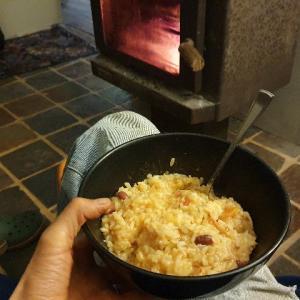 薪ストーブで手抜き料理!キャンプにも応用できちゃう我が家の冬メニュー