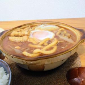 山本屋で味噌煮込みうどんを買う愉快なおっさん