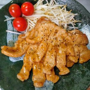 スーパー玉出の激安豚肉で蜂蜜入りのトンテキを焼く愉快なおっさん