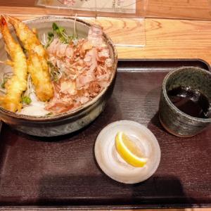 大津の金亀庵で蕎麦を食う愉快なおっさん