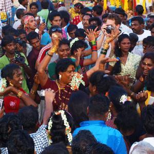 ヒジュラのお祭り「アラヴァン・タライ」に行ってきた