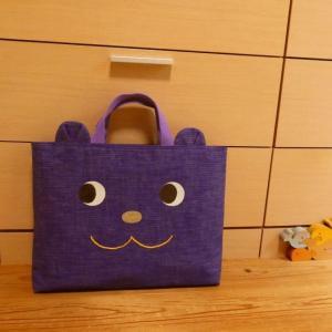 <creema>紫のヘリンボーン生地、クマレッスンバッグ出品