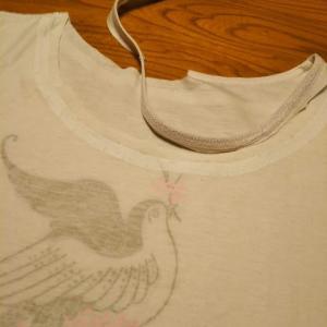 5分袖Tシャツの襟を広く