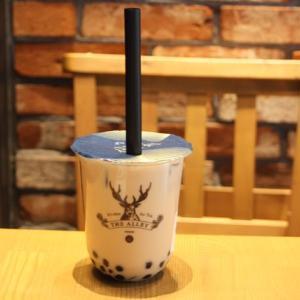 THE ALLEY(ジ・アレイ)神戸三宮店はこくさいホールより徒歩2分。鹿が目印のタピオカ専門店でお茶はいかが?