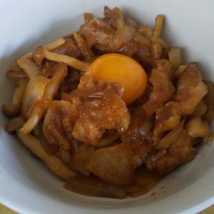 【簡単レシピ】焼肉のタレで作る甘辛鶏丼
