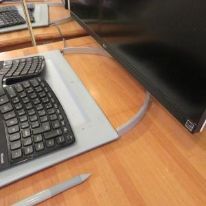 DIY★LG 4K HDR IPS 27UK850-Wに3関節モニターアームEZ1-LA018とNUC用拡張ブラケットSST-MVA01をつけてみました。