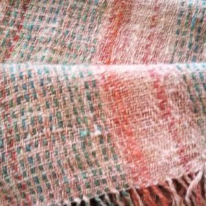 手紡ぎの糸で織る(3)