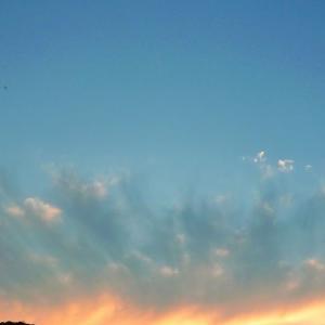 珍しい形の夕焼けを撮りました ー空やすみー