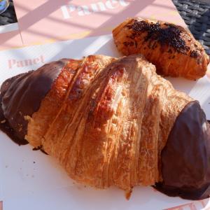 巨大クロワッサン 〜朝食 in バルセロナ〜