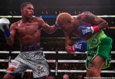 WBC世界ライト級タイトルマッチ デビン・ヘイニー VS アルフレド・サンティアゴ