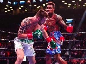 WBC世界ミドル級タイトルマッチ ジャモール・チャーロ VS デニス・ホーガン