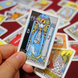 アシュタールカードなタロット2番「女教皇」