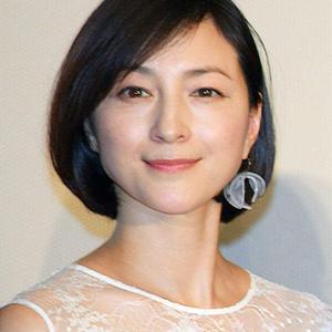 (ニュース)高倉健さん5回目の命日 広末涼子「鉄道員」撮影時の秘話明かす「誰が見ても素晴らしい俳優さんだったんですね」