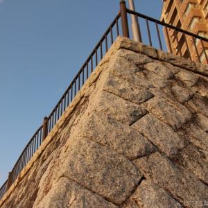 桂島緑地北側広場の石垣