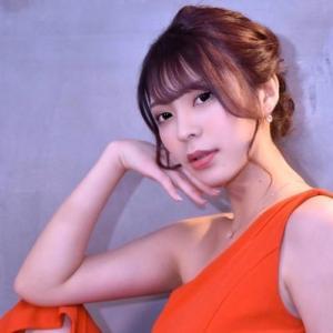 【グラビアアイドル】レースクイーンの芹沢まりなが、最新イメージDVD「First Stage…ここから」をリリース!