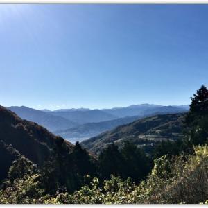 四国山脈 初雪かな?