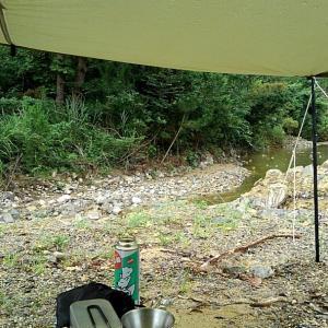 雨の中のデイキャンプ