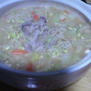 11/11(月) 寒かったので鍋を食う。