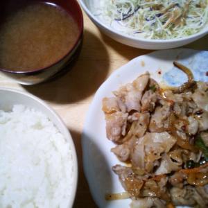 8/23(日) 休肝日。昼ラーメン。晩、豚バラスライス炒め。