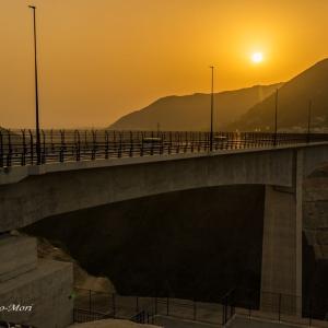 新阿蘇大橋の夕日