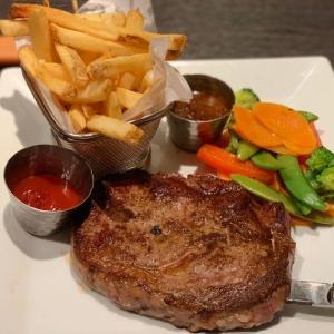 ステーキ以外にパスタ、チキン、お魚も。「Outback Steakhouse」のランチセットは色々選べて嬉しい!