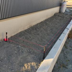 防草シートと砂利をDIYで敷きました。施工手順その①
