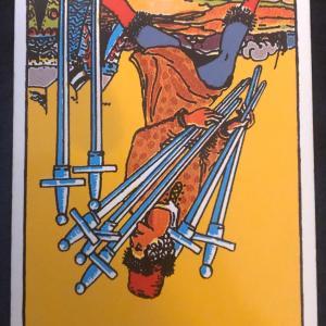 今日のカード(ソードの7 逆)