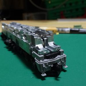 EF81-95(レインボー) テールライト点灯化 その3