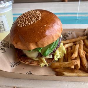 【宮崎】ザ ビーチ バーガー ハウス ~ 目の前がビーチ! サンビーチ 一ツ葉にある素敵なハンバーガーショップ