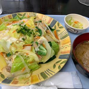 【沖縄・那覇空港】空港食堂 ~ 修行僧・修行尼御用達の食堂!空港ターミナル内にありながら安くて美味しい沖縄料理が食べれるお店。