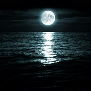 満月とクリスタル
