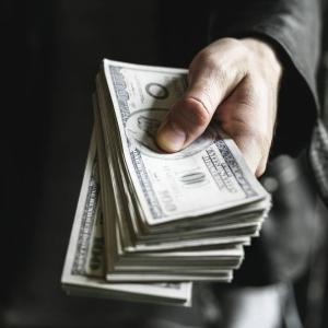 退職代行を使っても退職金はもらえる?「交渉」できるサービスに頼もう
