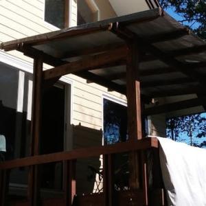 ウッドデッキに屋根をつける