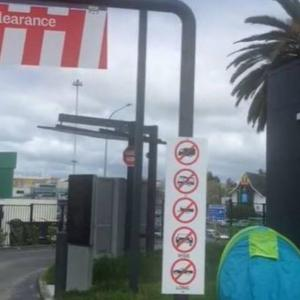 NZロックダウン35日目 KFC前にテントで待つお客が!