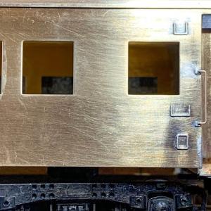 Fuji Model オロ42を作る 床下の作成 その② と 車体の塗装 その①