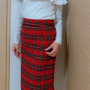 赤チェックのスカートコーデ☆特別な予定がない日のキレイめファッション