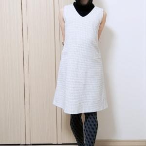 タートルニット&ジャンパースカート☆暖かい日のコーデはノースリーブニットで