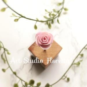 樹脂粘土でバラを作ってみた
