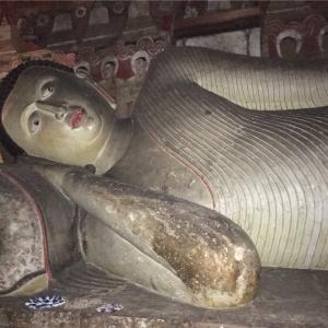 スリランカ 個人旅行㉖ダンブッラ石窟寺院