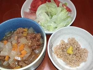 今日は何を食べようか悩み中のあなたに!超簡単ダイエットスープ!余ったカット野菜を利用!